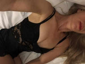 Marie-marie independent escorts in Fort Leonard Wood